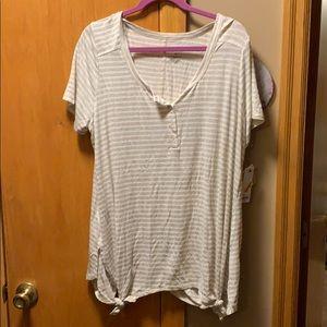 Sonoma soft tee shirt w/4 button neckline Size 1X
